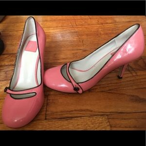 Cute pretty pink DV woman's size 7 heels
